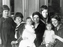 Katia y sus 6 hijos en 1925